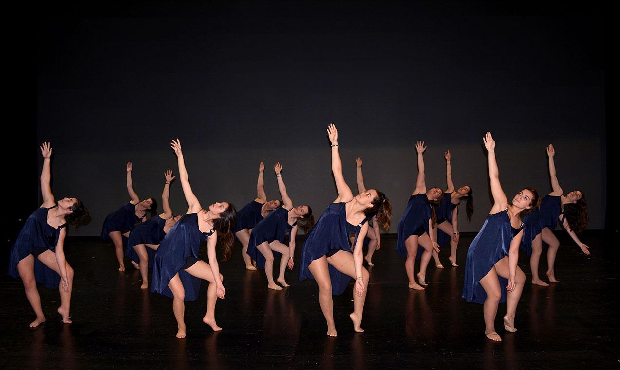 chicas del 2019 atuendo azul baile de conte-fusion