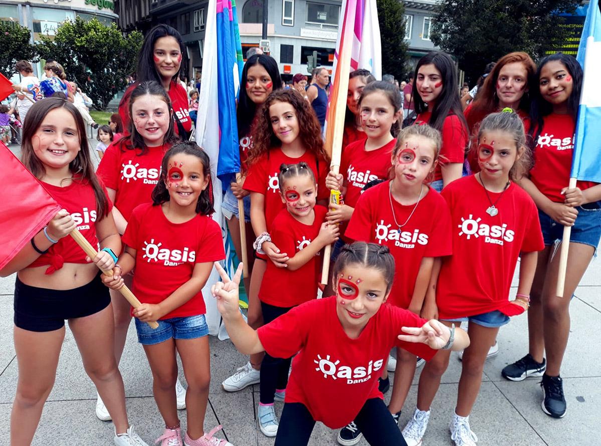 Feria de las naciones en la plaza del ayuntamiento en Santander
