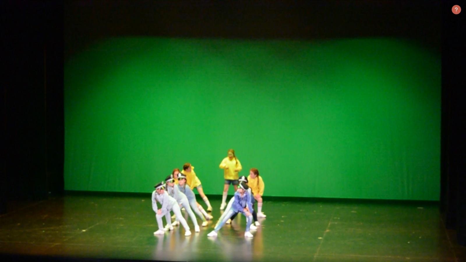 Portada para el video niños grupo 1 danza policias