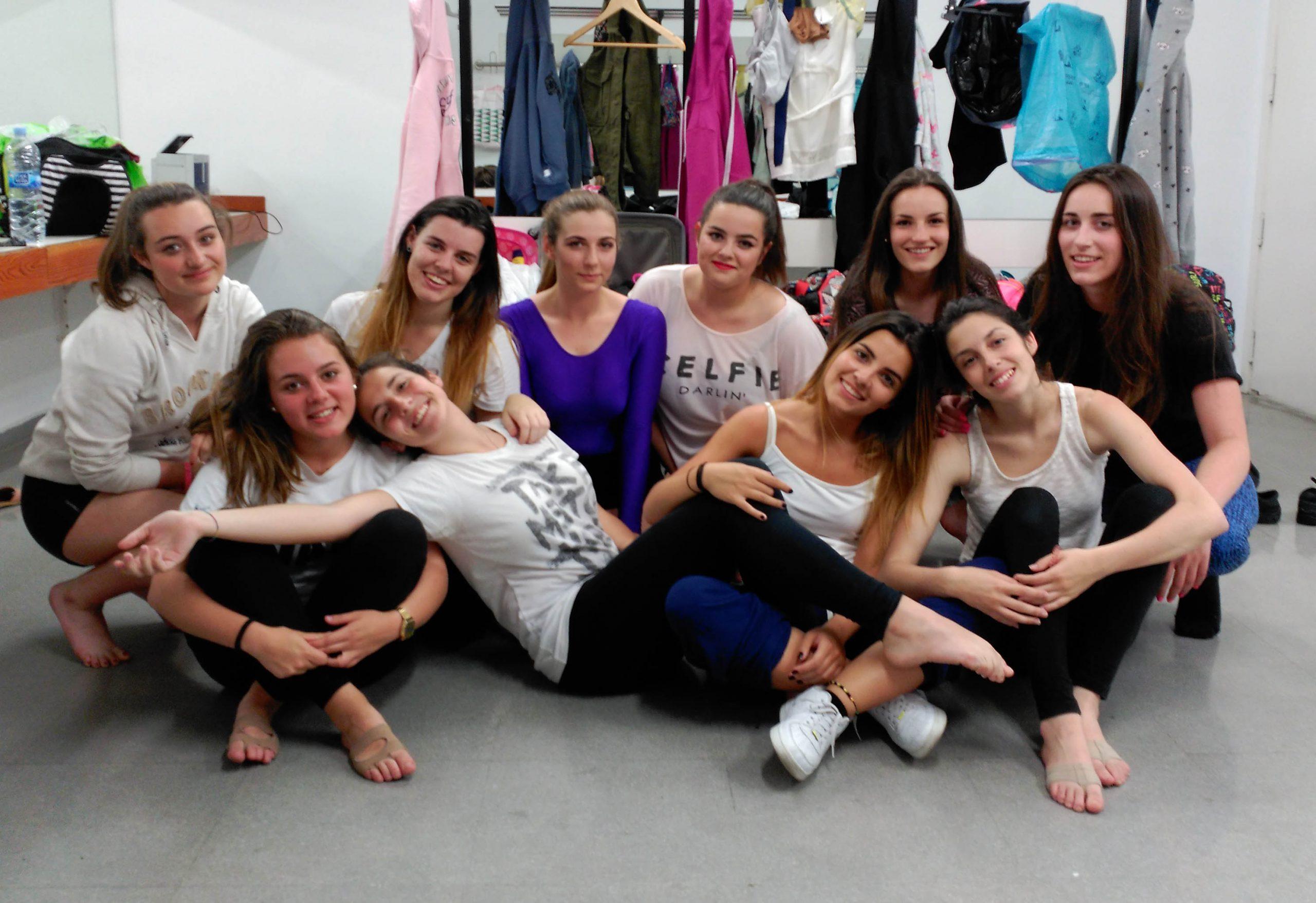 Chicas en el camerino de Burgos